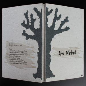 Heidrun Wettengl: Im Nebel, Künstlerbuch (Rücken und -Deckel), Mixed Material, 30x19,5 cm, 2014. Alle Rechte vorbehalten.