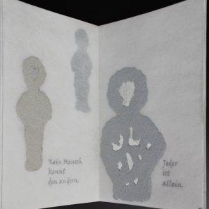 Heidrun Wettengl: Im Nebel, Künstlerbuch (Seiten 15-16), Mixed Material, 30x19,5 cm, 2014. Alle Rechte vorbehalten.