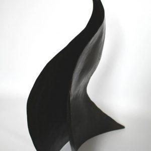 Heidrun Wettengl: Welle, Stahlblech, Leinöl, 46x14x34,5 cm, 2015. Alle Rechte vorbehalten.